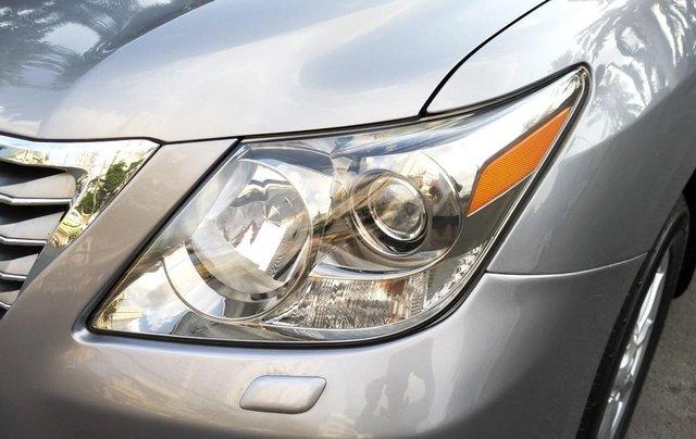 Lexus LX 570 model 2009, màu bạc, nhập khẩu, đặc biệt toàn bộ còn zin theo xe, cực mới, chỉ 2 tỷ 180 triệu4