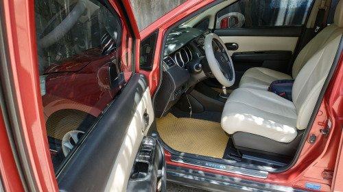 Gia đình bán Nissan Tiida 1.6 AT năm 2008, màu đỏ  9