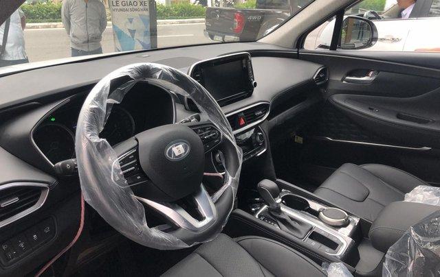 Bán Hyundai Santa Fe 2019, màu trắng, xe nhập, giá chỉ 995 triệu3