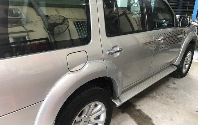 Cần bán xe Ford Everest 2.5AT đời 2015, màu bạc tại City Ford4