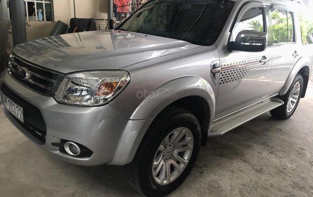 Cần bán xe Ford Everest 2.5AT đời 2015, màu bạc tại City Ford6