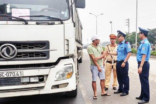 Hà Nội tổ chức kiểm tra nồng độ cồn và ma túy của các tài xế