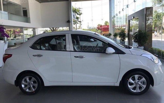 Cần bán Hyundai Grand i10 Sedan 1.2MT sản xuất 2019, màu trắng, nhập khẩu CKD, liên hệ: 09059769500