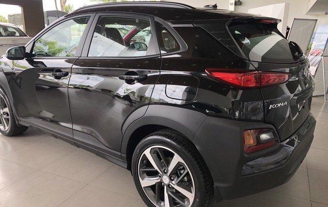 Cần bán Hyundai Kona 2019, màu đen, giá rẻ chỉ 636 triệu. Liên hệ: 09059769501