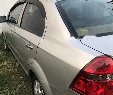 Bán Chevrolet Aveo đời 2015, màu bạc, xe đẹp1