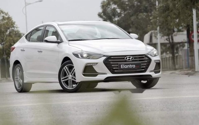 Bán Hyundai Elantra năm sản xuất 2019, giá chỉ 705 triệu1