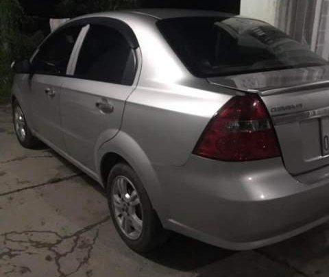 Bán Chevrolet Aveo đời 2015, màu bạc, xe đẹp0