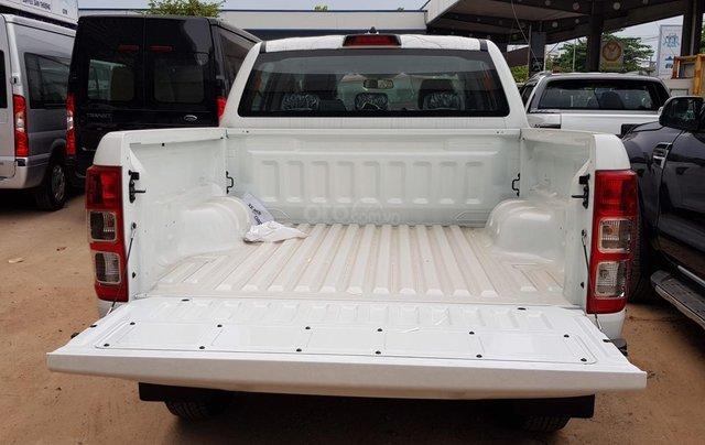 Bán Ranger màu trắng giao ngay tháng 5, tặng full phụ kiện theo xe4