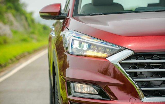 Hyundai Sơn Trà Đà Nẵng cần bán xe Hyundai Tucson new 2019, màu trắng2