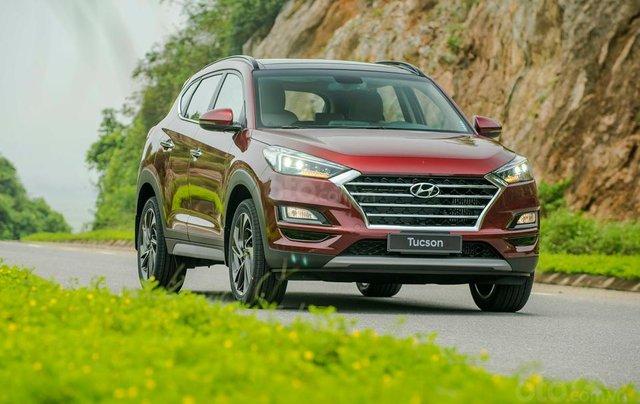 Hyundai Sơn Trà Đà Nẵng cần bán xe Hyundai Tucson new 2019, màu trắng0