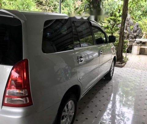 Cần bán Toyota Innova đời 2007, màu bạc còn mới, 330tr3