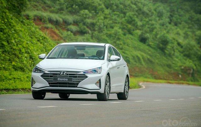 Hyundai Hà Đông - Hyundai Elantra 2019 giao ngay, giá cực tốt, KM cực cao, trả góp 90%, lãi ưu đãi, liên hệ: 09814767772