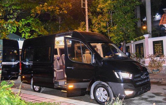 Bán xe Hyundai Solati Limousine bản thương mại 12 chỗ0