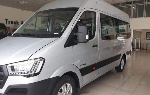 Bán ô tô Hyundai Solati sản xuất năm 2019, màu bạc, nhập khẩu nguyên chiếc, 910 triệu0