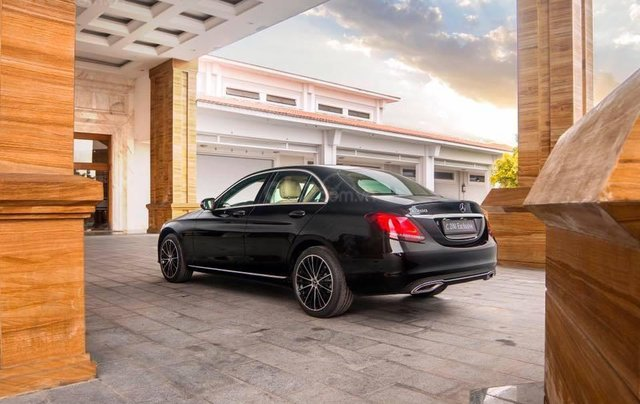 Bán xe Mercedes C200 Exclusive 2019 (C250 cũ): Thông số, giá lăn bánh (07/2019) giảm tiền mặt, tặng bảo hiểm và phụ kiện3