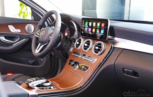 Bán xe Mercedes C200 Exclusive 2019 (C250 cũ): Thông số, giá lăn bánh (07/2019) giảm tiền mặt, tặng bảo hiểm và phụ kiện8