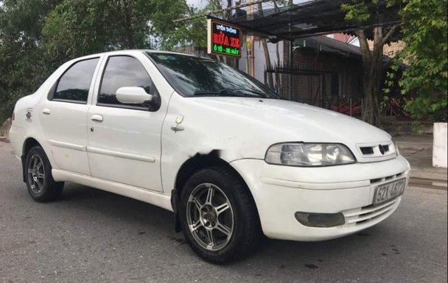 Cần bán xe Fiat Albea 1.3 2004, màu trắng, giá tốt0