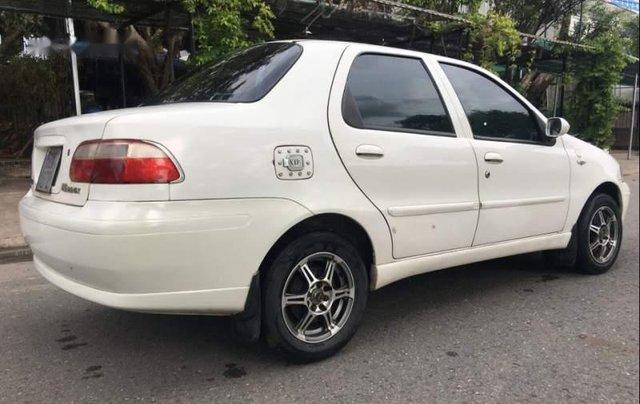 Cần bán xe Fiat Albea 1.3 2004, màu trắng, giá tốt1