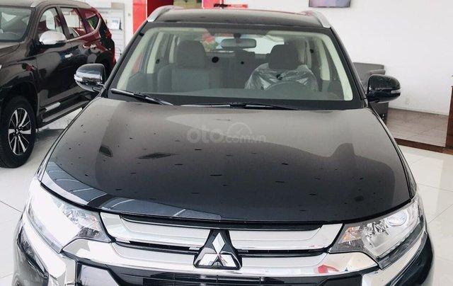 Bán xe Mitsubishi Outlander 2.0 CVT năm sản xuất 2019, trả góp 80%, liên hệ: 0969 496 596 để nhận nhiều ưu đãi0