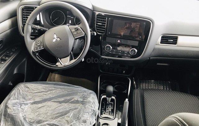 Bán xe Mitsubishi Outlander 2.0 CVT năm sản xuất 2019, trả góp 80%, liên hệ: 0969 496 596 để nhận nhiều ưu đãi6