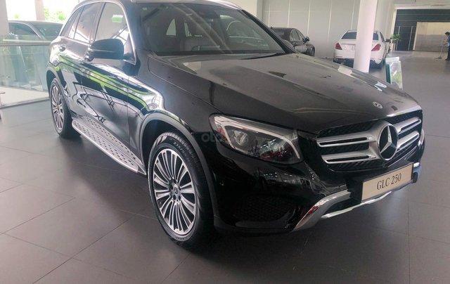 Giá xe Mercedes GLC250 4Matic 2019 khuyến mãi, thông số, giá lăn bánh 06/2019 chiết khấu tiền mặt, ưu đãi BH và phụ kiện3