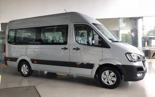 Bán ô tô Hyundai Solati năm 2019, màu bạc2