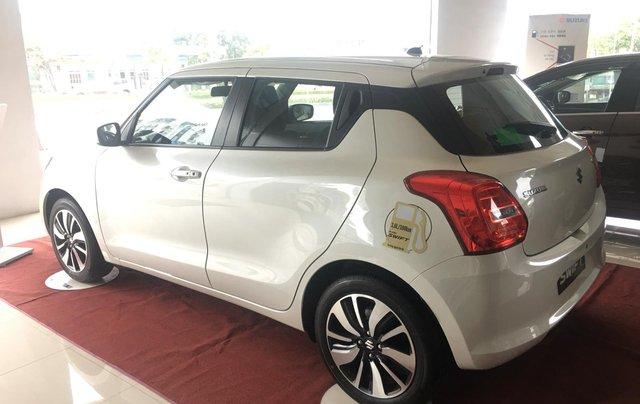 Bán Suzuki Swift đời 2019 màu trắng, xe nhập1