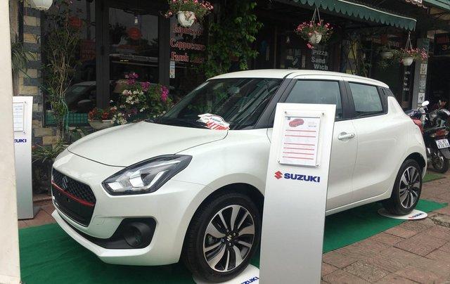 Bán Suzuki Swift đời 2019 màu trắng, xe nhập2