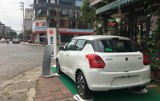 Bán Suzuki Swift đời 2019 màu trắng, xe nhập3