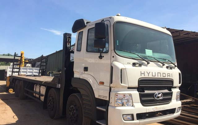 Bán Hyundai HD320 năm 2019, màu trắng, nhập khẩu1
