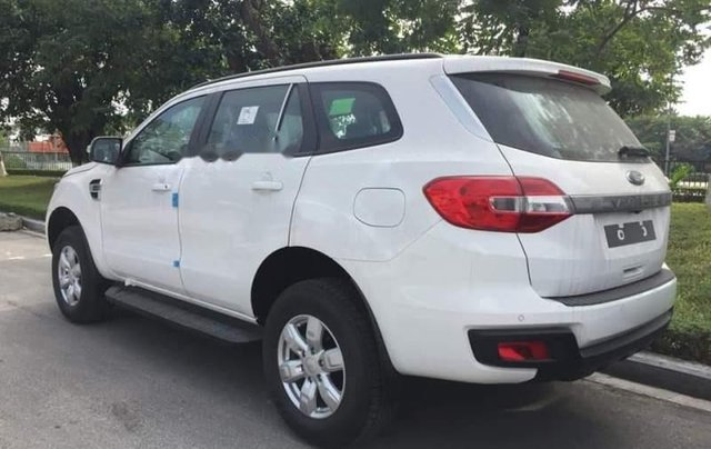 Bán ô tô Ford Everest 2019, màu trắng, nhập khẩu1