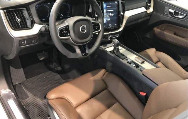 Bán Volvo XC60 2019, màu trắng, nhập khẩu nguyên chiếc4
