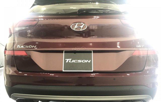 Bán Hyundai Tucson full xăng đỏ giao ngay nhận xe ngay chỉ với 200tr, LH: 0977 139 3124