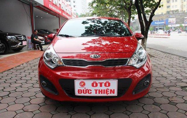Cần bán xe Kia AT SX 2012, màu đỏ, nhập khẩu nguyên chiếc1