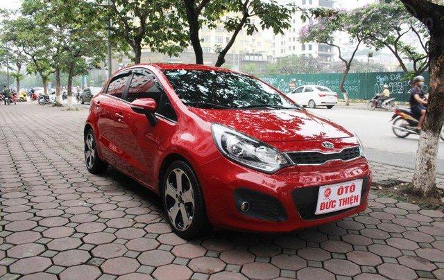 Cần bán xe Kia AT SX 2012, màu đỏ, nhập khẩu nguyên chiếc2