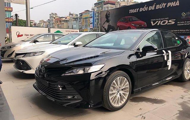 Cần bán Toyota Camry năm sản xuất 2019, nhập khẩu nguyên chiếc, hoàn toàn mới2