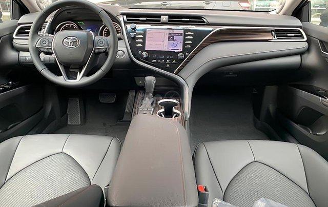 Cần bán Toyota Camry năm sản xuất 2019, nhập khẩu nguyên chiếc, hoàn toàn mới3