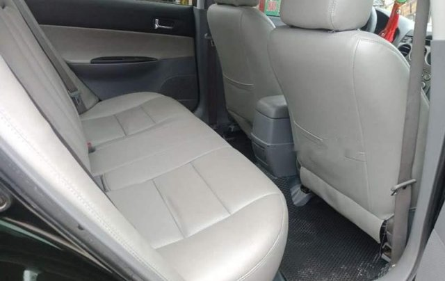 Cần bán gấp Mazda 6 năm sản xuất 2004, màu bạc, nhập khẩu5