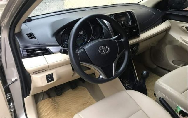 Bán lại xe Toyota Vios 1.5E MT sản xuất 2017, màu bạc số sàn1