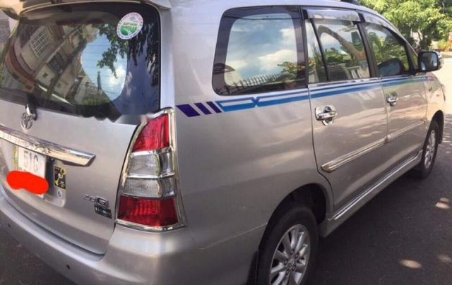 Cần bán lại xe Toyota Innova năm sản xuất 2012, màu bạc giá cạnh tranh2