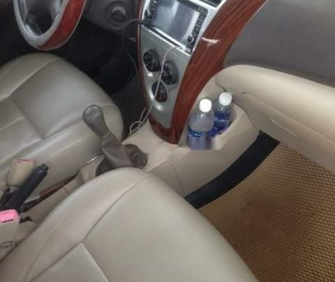 Cần bán lại xe Toyota Vios năm 2010, màu bạc5