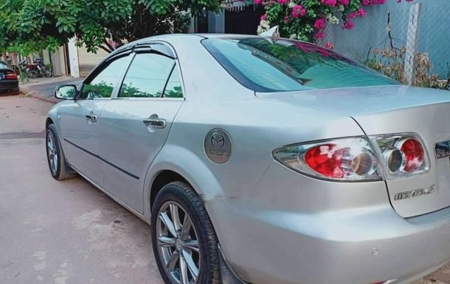 Cần bán gấp Mazda 6 năm sản xuất 2004, màu bạc, nhập khẩu1