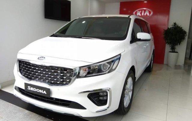 Cần bán Kia Sedona sản xuất 2019, màu trắng giá cạnh tranh0