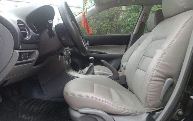 Cần bán gấp Mazda 6 năm sản xuất 2004, màu bạc, nhập khẩu3