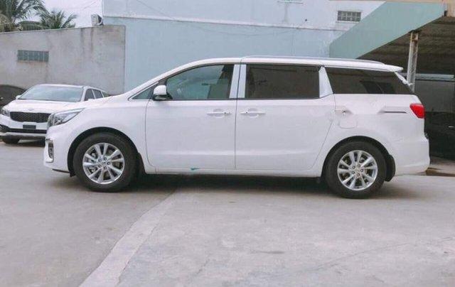 Cần bán Kia Sedona sản xuất 2019, màu trắng giá cạnh tranh2