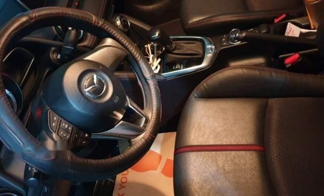 Cần bán gấp Mazda 2 đời 2017, màu trắng1