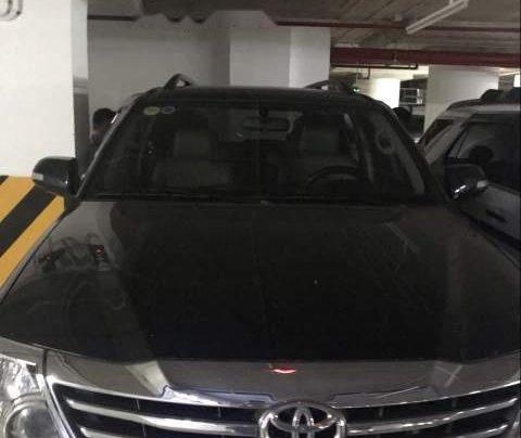 Cần bán xe Toyota Fortuner 4x2AT đời 2015, màu đen3