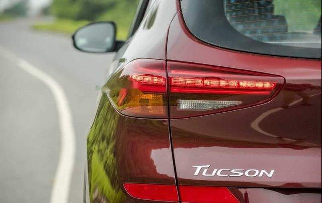 Cần bán xe Hyundai Tucson năm sản xuất 2019, màu đỏ1