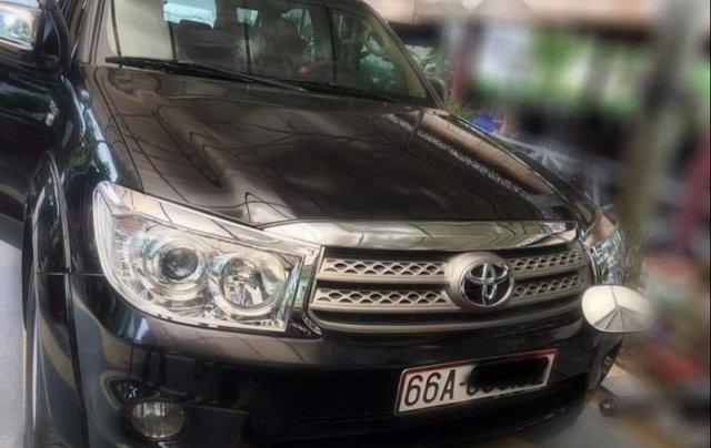 Cần bán lại xe Toyota Fortuner đời 2009, màu đen số tự động0