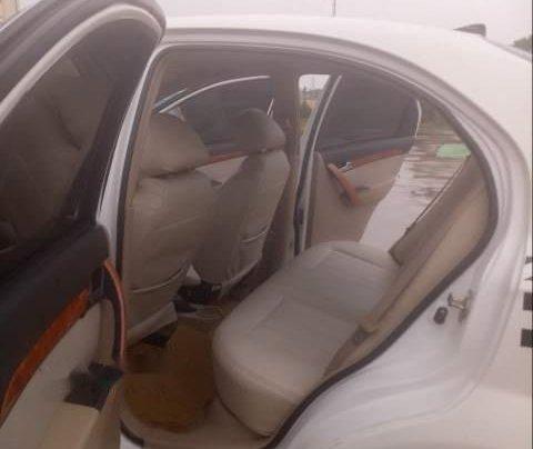 Cần bán Daewoo Gentra 2007, màu trắng xe gia đình3